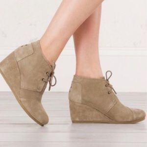 TOMS wedge suede lace up bootie beige color